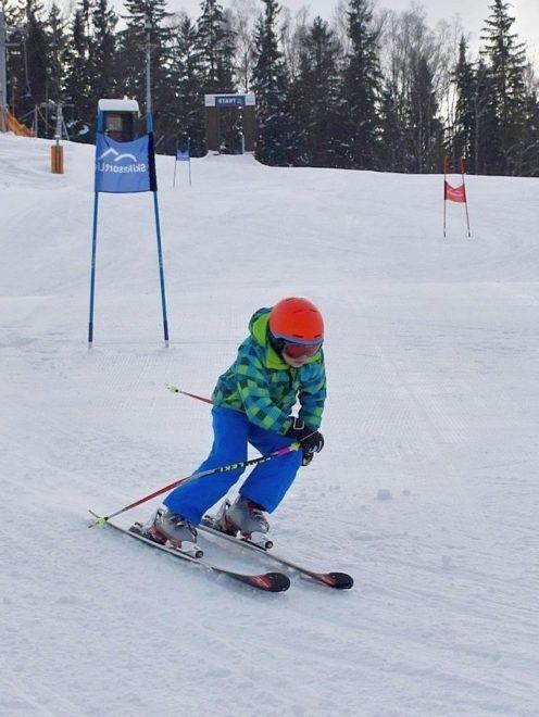 Adam (9let), lyžování, snowboard